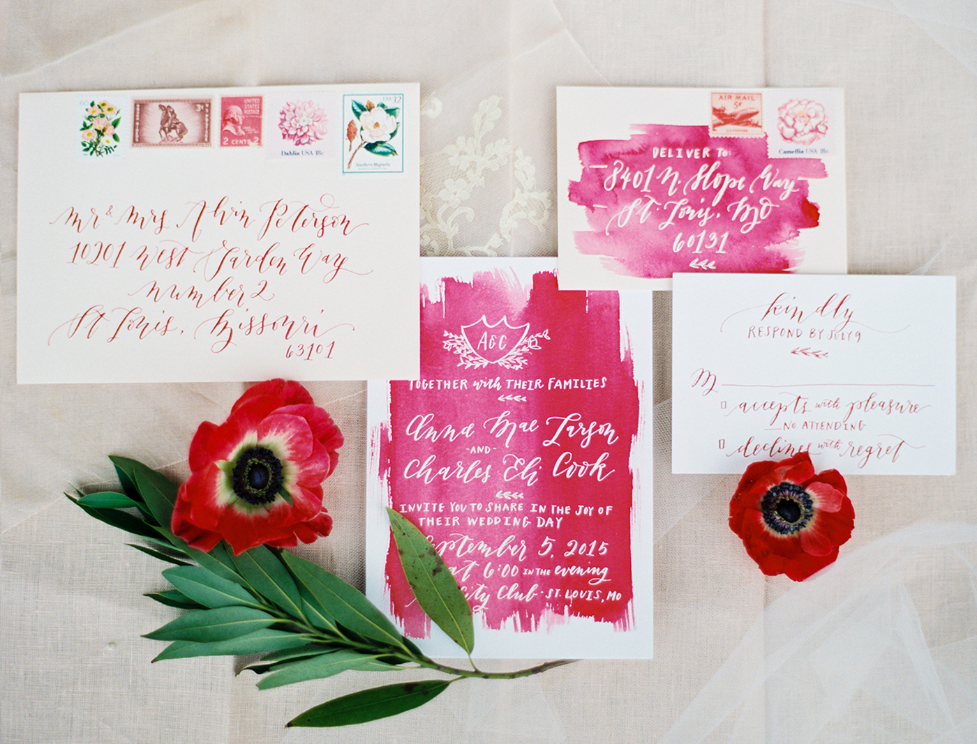 la Happy calligraphy and watercolor invitation set