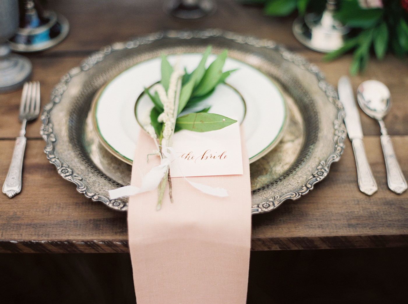 la Happy calligraphy place card