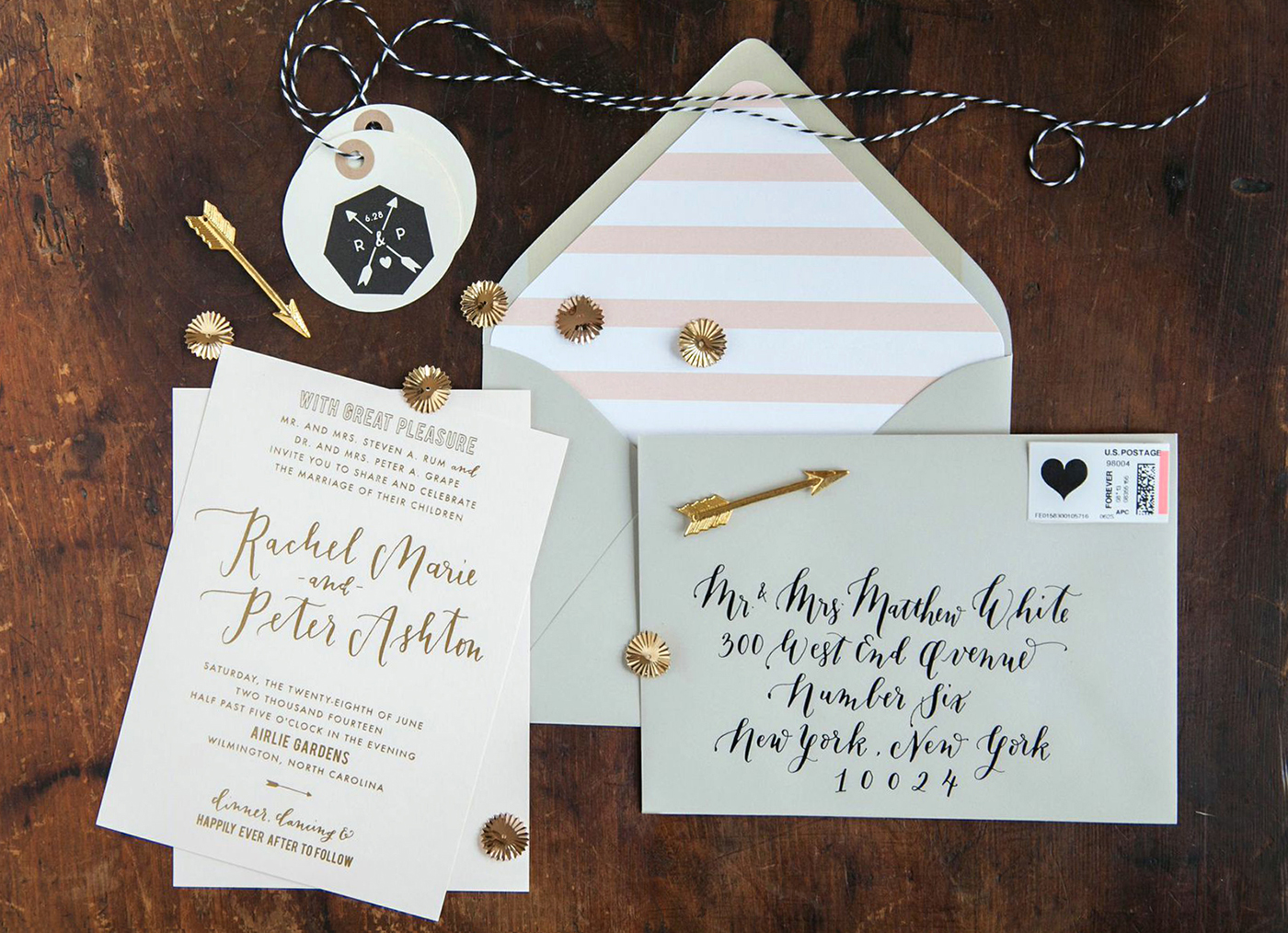 la Happy Gold Foil Invitation Set