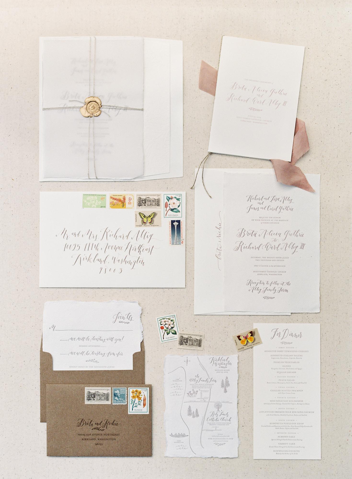 la Happy Design & Calligraphy Invitation Set