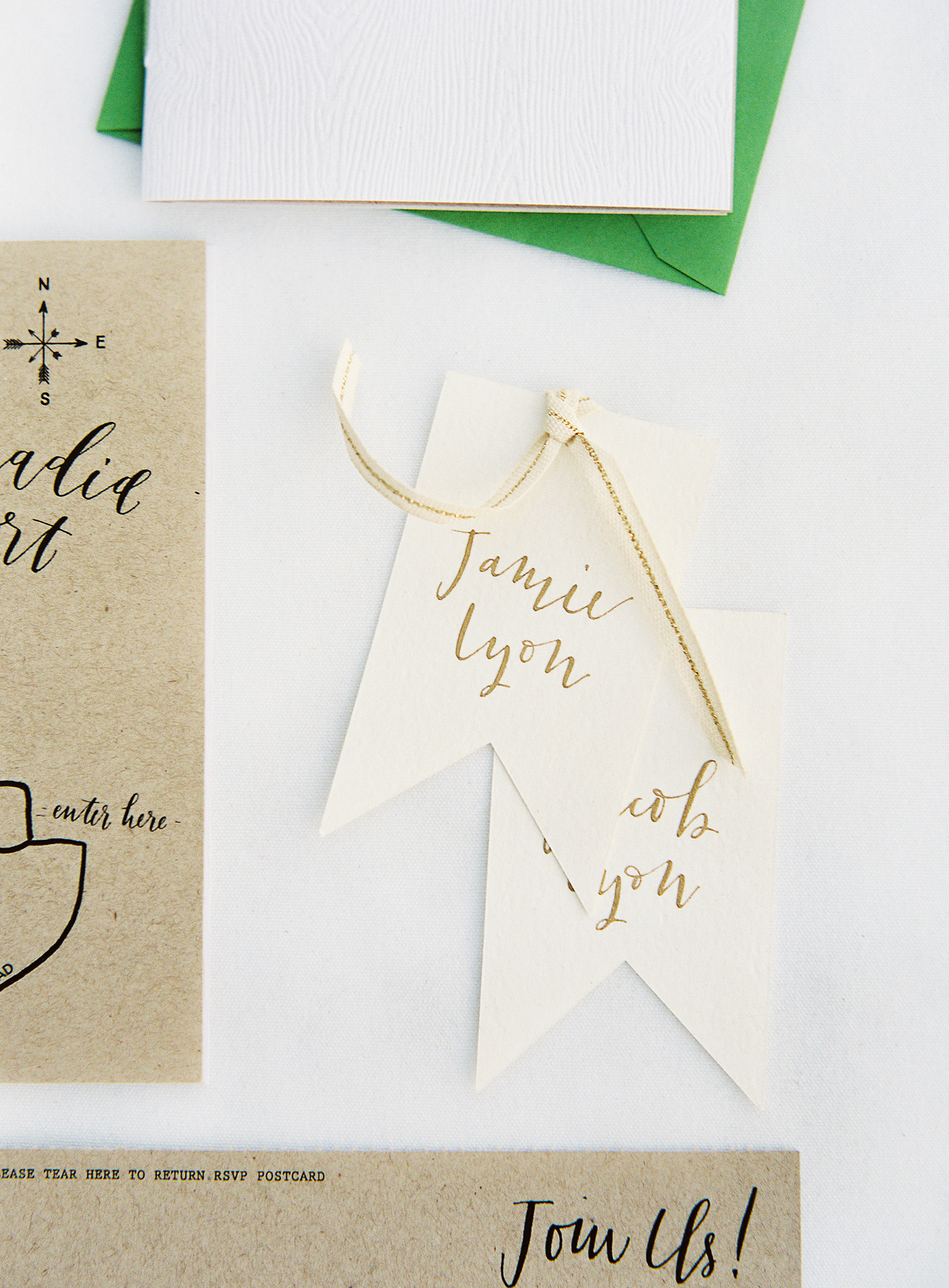 la Happy Design & Calligraphy Place Cards